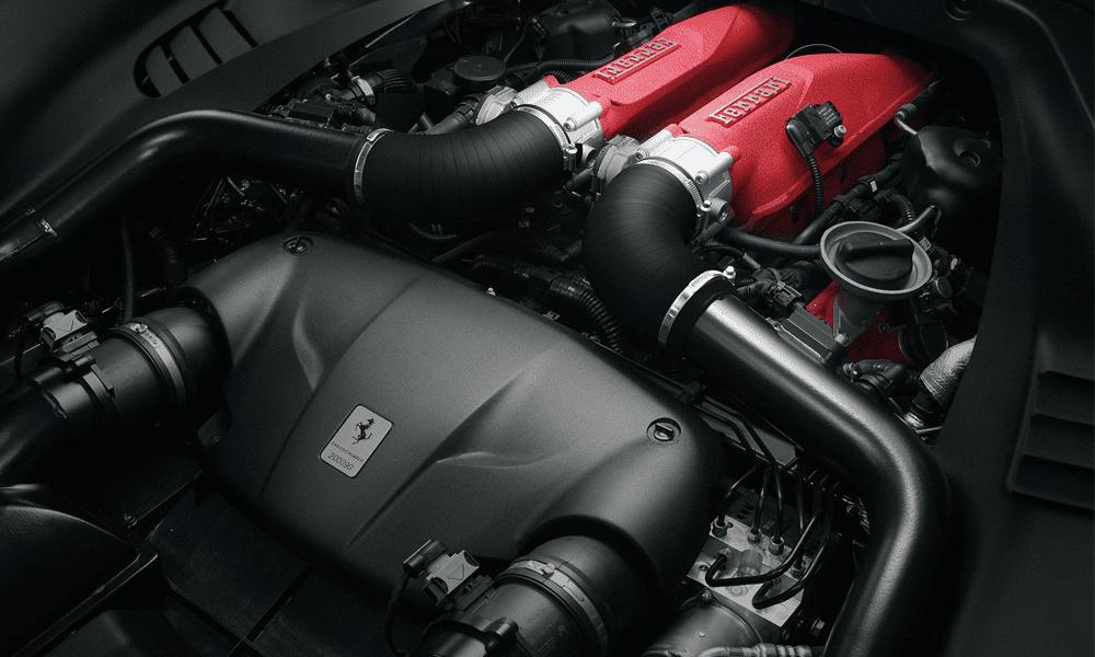 Ferrari California V8 à louer. Deluxe Rental Cars est un service de location de voitures de luxe et de sport actif sur Lausanne, Montreux, Genève, Sion, Fribourg, Neuchâtel.