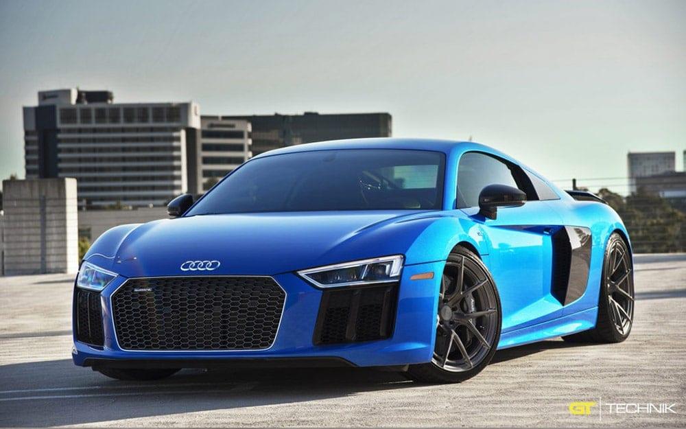 Audi R8 V10 - Auto da noleggio deluxe