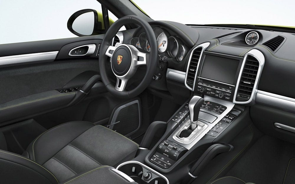 Location Porsche Cayenne GTS | Deluxe Rental Cars Lausanne