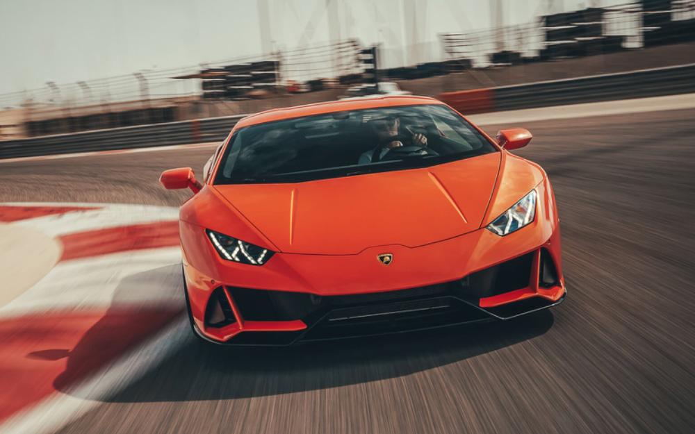 Lamborghini Huracan Evo - Deluxe Rental Cars