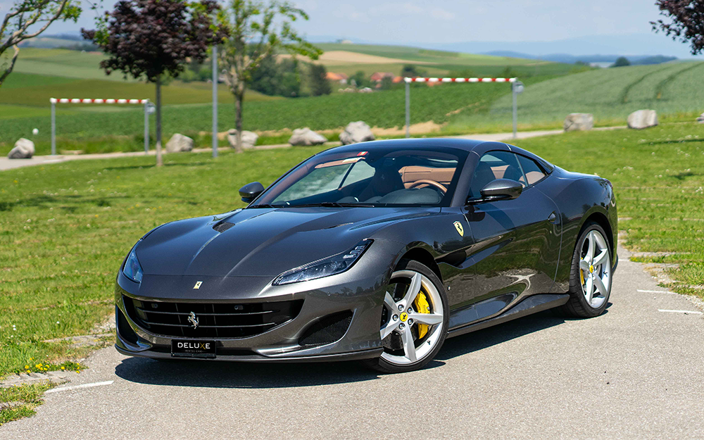 Ferrari Portofino - Deluxe Rental Cars