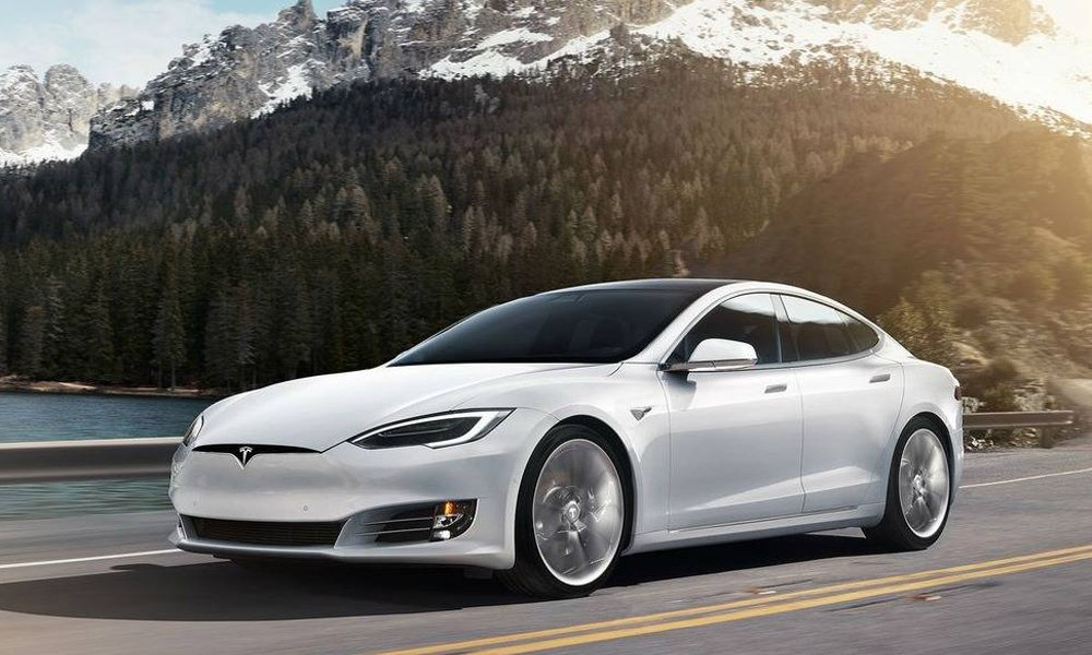Location Tesla Model SP100D| Deluxe Rental Cars Lausanne